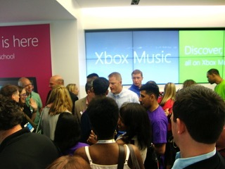 Microsoft's_Grand_Opening_at_Somerset_Mall_in_Troy_MI